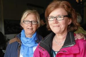 Gillar Alsiö. Kompisarna Berit Hargegård från Harge och Ann-Marie Wiktorsson från Askersund kom för att se den nya filmen om Annette Alsiö.