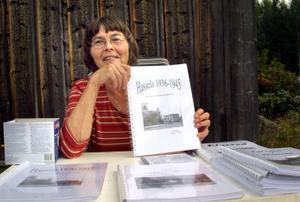 Harriet Frändén visade sin nya Hasselabok i samband med spelkvinnsstämman på Ersk Mats-gården.