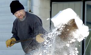 Hitta en extrainkomst. Kanske kan du hjälpa till med snöskottning, läxläsning eller hundpassning?