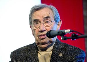 Emerich Roth har spridit berättelserna om förintelselägrens fasor.