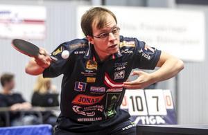 Fabian Åkerström