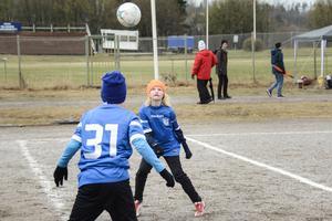 SFF:s lagkapten Viktor Jonasson höll koll på bollen.