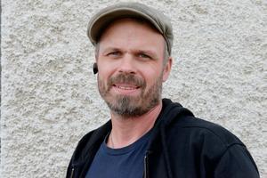 – Jag ska sälja och flyttar nog utåt kusten framöver, säger Roger Mattsson.