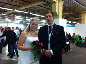 Johanna Jonsson och Marcus Jonsson marknadsförde Järvsöbröllop i full bröllopsstass.