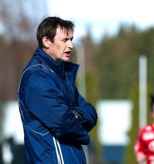 När Kvarnsvedens damer mötte Sundsvall hemma i våras blev det seger med 2–0. Den bedriften förmådde Björn Lindéns damer inte upprepa i gårdagens bortamatch. Sundsvall tog revansch och vann med samma siffror.