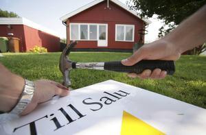 På Lantmäteriets lista över de senast genomförda fastighetsaffärerna i Dalarna märks många fastigheter som såldes för tre miljoner och uppåt. Försäljningarna som sticker ut är bland annat en villa för 5,1 miljoner kronor i Falun, samt två fritidshus i Sälen som såldes för 6,7 respektive 6,4 miljoner kronor.