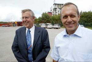 Jan-Eric Bergmark och Robert Taflin är belåtna efter att man fått in ett kapitalstarkt industriföretag .