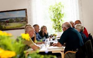 Det var många förslag från allmänheten som Grangärdebygdens intresse- förening (GBI) diskuterade under lördagseftermiddagen. Flera av förslagen berörde bygdens infrastruktur. Foto: Carl Lindblad