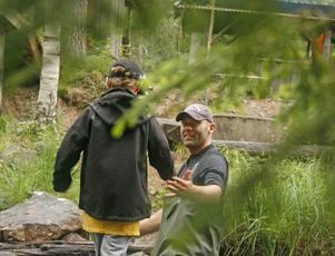 Lär ut bortglömd kunskap. Johan Tunhult insåg att kunskapen om den svenska skogen håller på att gå förlorad. Föräldrarna vågar inte ta med sig barnen ut i skogen. Idén blev Wild Camp.