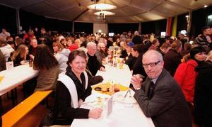 Sonja och Gunnar Båtelson har bott i Tyskland i sex år. Nu flyttar de snart tillbaka till Sandviken. I går var de med i jubileumstältet.