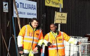 Sami Darwish och Abdi Nur har nystartsjobb på Fågelmyra. För första gången deltar Borlänge Energi i kommunens satsning på att långtidsarbetslösa ska få jobb med riktig lön. – Vi är glada över att bryta isoleringen och komma ut på arbetsmarknaden, säger de.