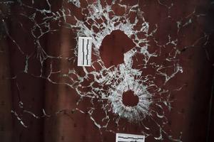 Jakten på de som utförde attentaten i Paris går vidare.