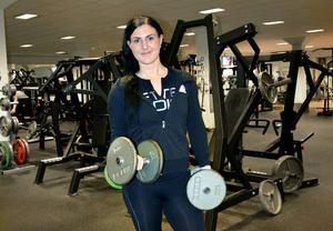 I dag är Ann-Sofie Christiansson personlig tränare och tävlar i bodyfitness. Men för tio år sedan vägde hon närmare 120 kilo och vågade sig aldrig in i en träningslokal.