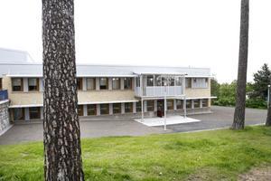 TRÅNGT. Patienter tvingas sova i korridorer och tv-rum på grund av överbeläggningar vid den slutna allmänpsykiatrin i Gävle.