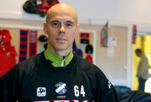 Daniel Välitalo ställer in sig på kamp i Kalix.