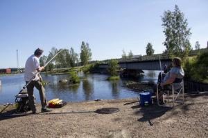 Yngve Karlsson och Ulla-Britt Andersson hittade en plats i solen.