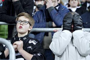 – Det måste bara gå, sa Gabriella Mörner under matchen, och sonen Hampus Mörner höll med. Dessvärre gick det ändå inte för SAIK.