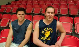 Stian Mjøs och Anders Stien provtränade med Jämtland Basket i går kväll.