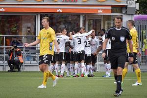 ÖSK-jubel efter Johan Mårtenssons 1-0-mål.