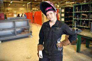 Johanna Eriksson ångrar inte en sekund att hon bytte till industriprogrammet.