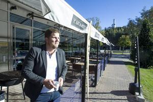 Kommunen öppnar upp för uteserveringar året om, pilotstudien hoppas Tony Fahqvist på Eat & Meet blir till permanent lösning.