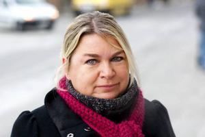 Desirée Åding, Östersund– Jag tycker att man ska bemöta varandra med ett leende när man träffas. Det är en bra idé att bevara traditioner tycker jag.