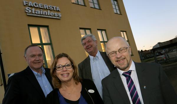 Från vänster Urban Bäckström, Göran EK, Stainless, Anette Eriksson, Tillväxtgruppen, och Stig Henriksson, kommunalråd.