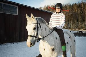 Evelina Andersson och Nida vann pris för bästa utklädnad.