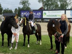 Felicia Hägg, Molly Ingmarsson och Tilda Mogren från Bollnäs Ridsällskap tog sig till final i Agria Pony Trophy.