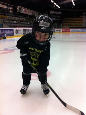 Joel Agné, 5 år, på träning med VIK P06.