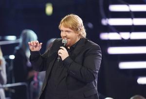 Martin Almgren sjunger