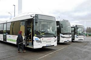 Busstrafiken kan få sitt eget torg – på Ovanbroparkeringen.