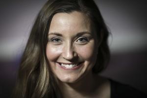 Sandra Engström bor i Kälarne och har arbetat som kroppsterapeut sedan 2003, hon är dessutom personlig tränare och håller nu på att certifiera sig till MammaMagetränare. Hon driver sin verksamhet i Hammarstrand på Salong Diva.