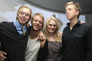 Pluto. Jean-Ricky, Markus, Elin och Sigam Didi