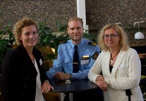 Jenny Ulander Fredsvik och Carina Sjöblom från Beroendecentrum i Hudiksvall och Josef Wiklund, chef för brottsförebyggande enheten i norra Gävleborg. I går berättade de om det framgångrika arbetet mot narkotikan i Hudiksvall på en konferens i Gävle om cannabis.