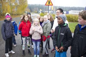 Läraren Veronica Nordström upplever att eleverna har blivit klart piggare sedan schemalagd rörelsetid lades in, så kallad Soltid.