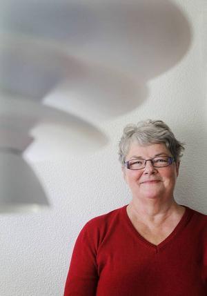 Hildegun Forslund har sjungit i hela sitt liv. I 30 år har hon underhållit på äldreboenden och efter pensionen startade hon sina populära musikbufféer. Hon tyckte det saknades after work med musik anpassad för äldre människor.
