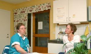 Hemvårdsområde Väst ska slås samman, men detta gillas inte av Erikslundsgruppen.Carina Jonsson och Marina Johnson.