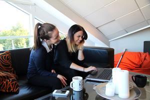 I december förra året besökte Laura Karlsson och Emma Sillanpää staden Compiègne i Frankrike. Nu är de värdar för två franska elever.