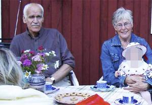 Paret Tor Öberg och Gerd Wiklund hittades mördade på Öbergs lantgård i Brattås utanför Härnösand den 2 juni 2005.