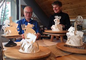 Idékreatören Lars Luttropp får hjälp av konstnären Georgianna Kralli att visualisera sin vision om en Neptunus-skulptur på Kaninholmen