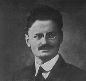 Den marxistiske revolutionären och teoretikern Lev Trotskij 1918.