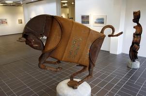 Typiskt Larsson.  En av Tord Larssons skulpturer, visad på Konsthallen i Sandviken i höst.