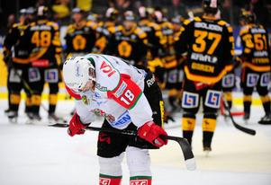 En nyckelbensfraktur hindrar Mattias Ritola från seriepremiären mot Skellefteå i nästa vecka. Den Borlängebördige hockeyspelaren är sannolikt inte åter i spel förrän tidigast i oktober.
