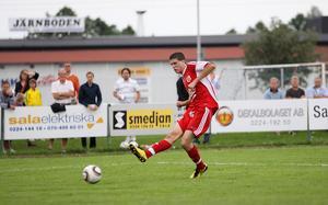 Niklas Svärd gör 2-1. Foto: Mikael Stenkvist