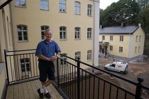 Med ljusa, fräscha lägenheter, öppna ytor och en befriande utsikt tar Västerås gamla fängelse emot sina nya invånare. I lördags gick de första flyttlassen till Slottsträdgården.Fotodatum: 20020828