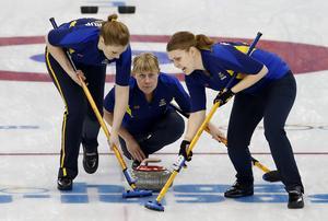 Maria Prytz lämnar succélaget Sigfridsson. Motivationen saknas, uppger hon. Här är Prytz (mitten) med Christina Bertrup (vänster) och Maria Wennerström under Sotji-OS.