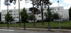 På den gröna ytan framför huset vid Pettersbergsgatan ska ett av punkthusen byggas, enligt skissen.