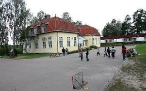 I den här delen av gamla Norslundsskolan bedrivs i dag en privat förskola. Den har nu fått ett tvåårigt bygglov för verksamheten.FOTO: BONS NISSE ANDERSSON