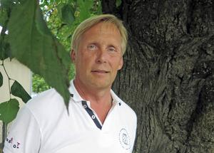 – Gästrike återvinnare ska hantera våra sopor, inte leka riskkapitalist med avgiftspengar, säger Pekka Seitola, kommunfullmäktigeledamot för moderaterna.